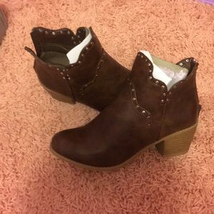 Journee collection brown booties 8.5